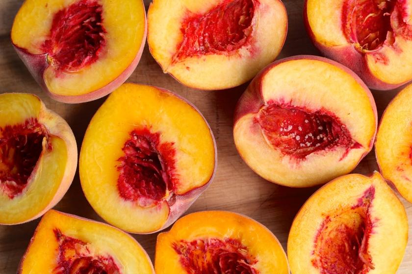 peach-cardamom-cake-peaches
