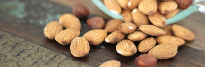 espresso-nut-muffins-almonds