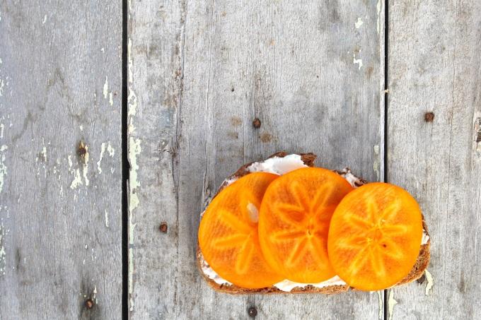 Goat cheese & persimmon on toast