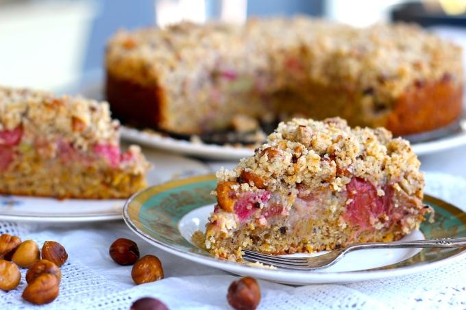 Rhubarb & Hazelnut Crumble Cake