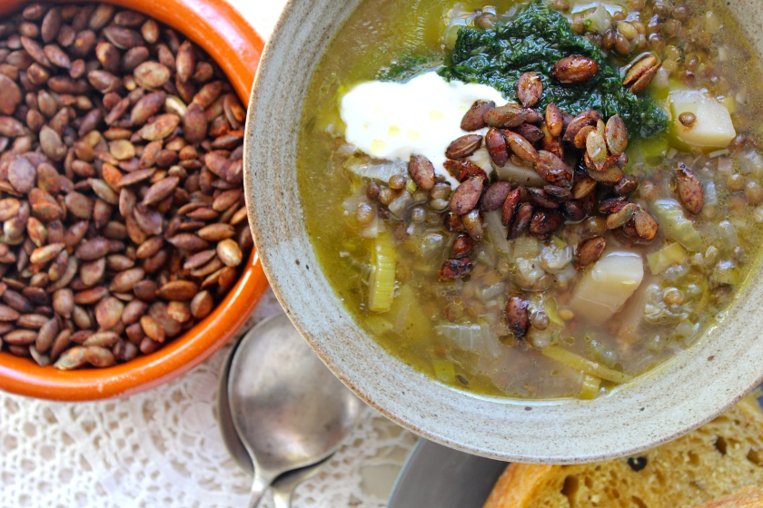 lemon-lentil-soup-bowl-pepitas-closeup