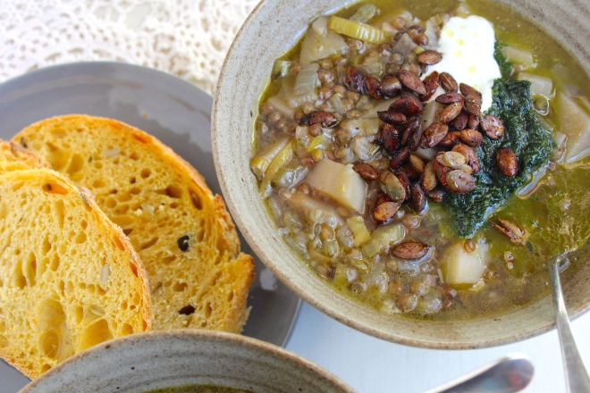 lemon-lentil-soup-bread