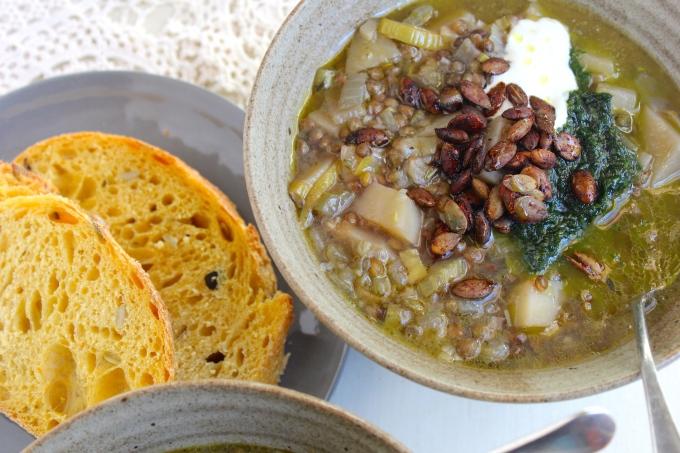 lemon-lentil-soup-bread