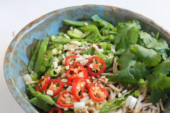 peanut-soba-noodle-salad