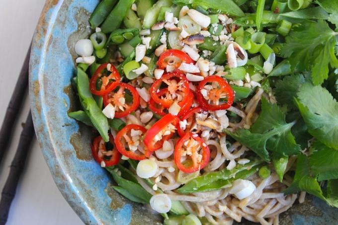 peanut-soba-noodles-closeup