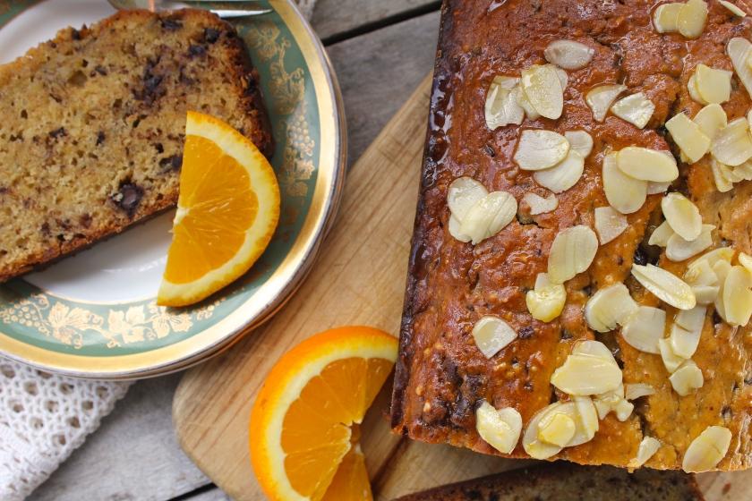 Almond-orange-olive-oil-cake-closeup