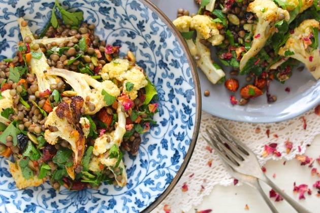roasted-cauliflower-lentil-salad-meal
