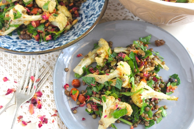 roasted-cauliflower-lentil-salad-plate