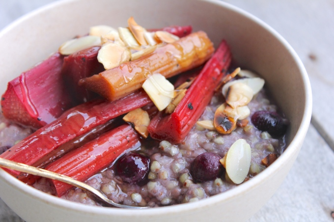 blueberry-buckwheat-porridge-angled