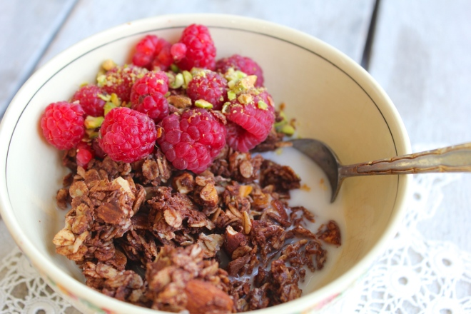 coconut-cacao-granola-spoon