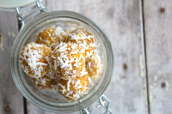 raw-apricot-coconut-tangerine-energy-balls-jar