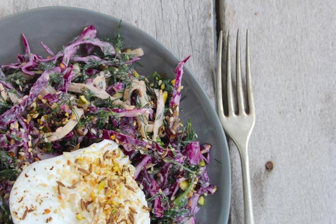 purple-cabbage-zucchini-dill-slaw-egg