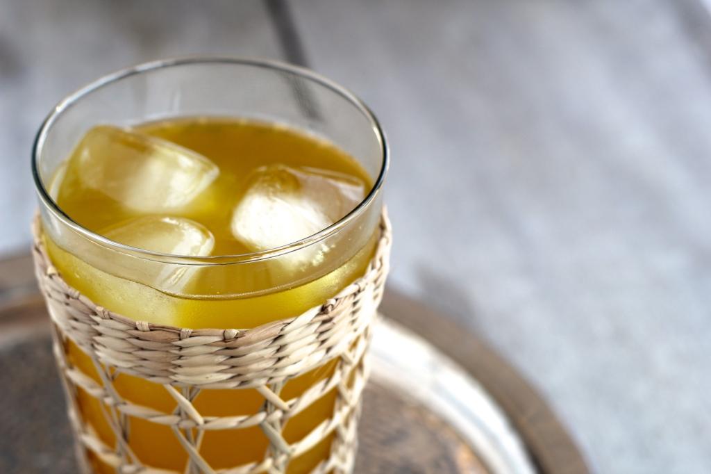 turmeric-ginger-juice-glass