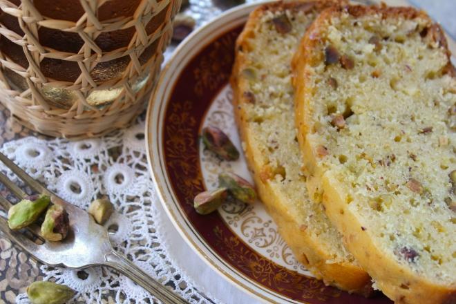 pistachio-lemon-cake-closeup