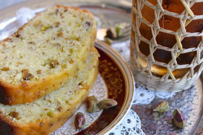 pistachio-lemon-cake