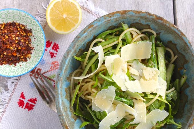 spaghetti-asparagus-chilli