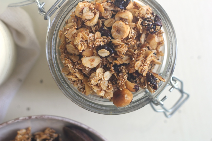 hazelnut-cherry-granola-jar-closeup