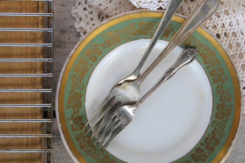banana-rosemary-bread-plates
