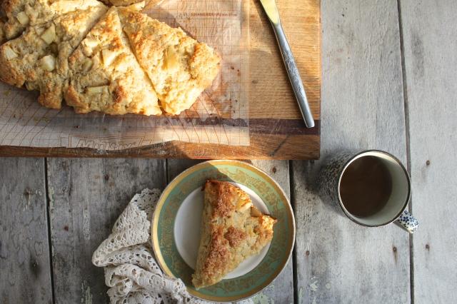 pear-cardamom-scone-table