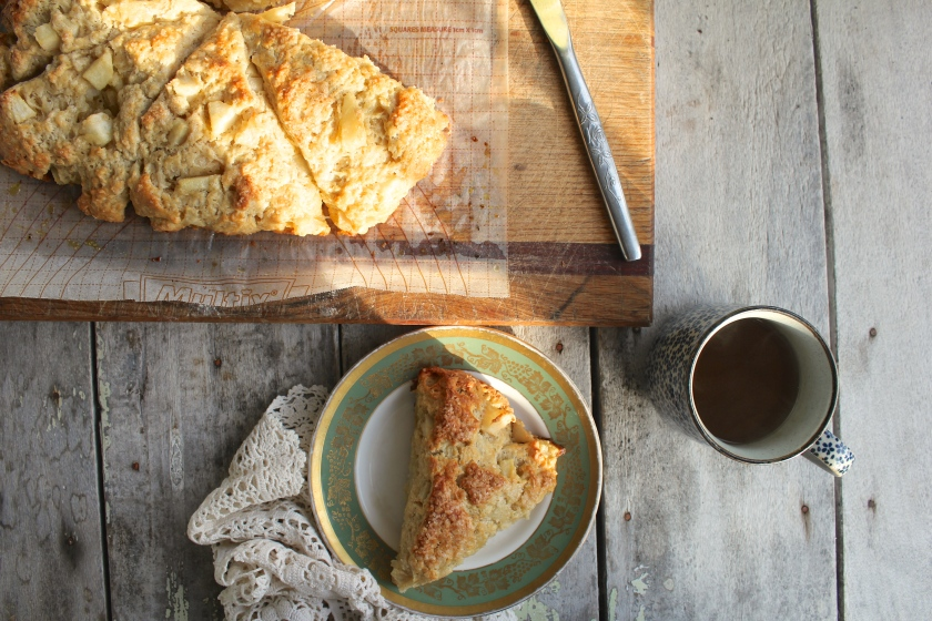 pear-cardamom-scone-table