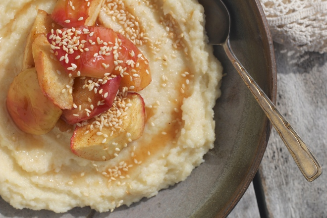 semolina-porridge-maple-apples