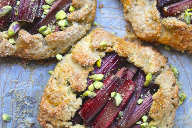 rhubarb-pistachio-galette-horizontal