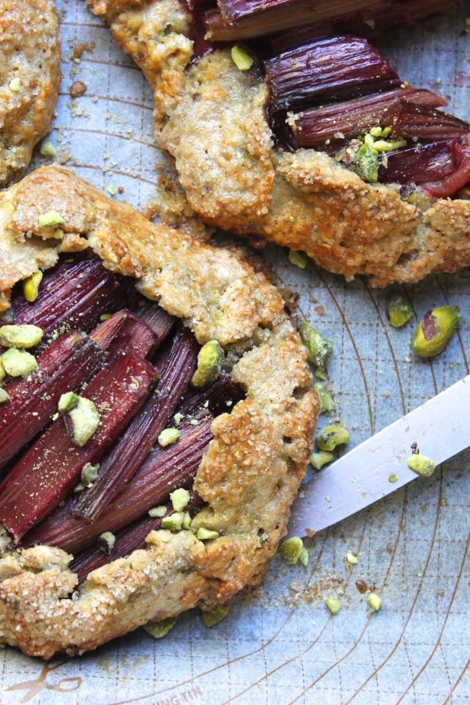 rhubarb-pistachio-galette-knife