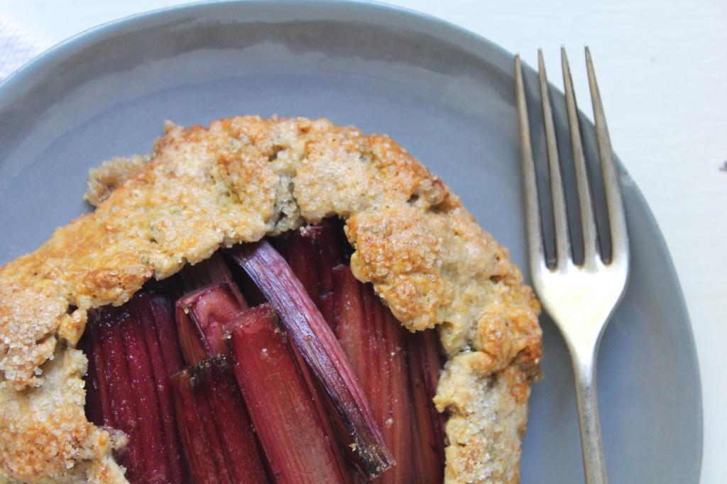 rhubarb-pistachio-galette-plate