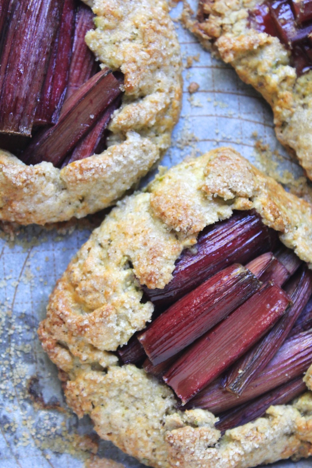 rhubarb-pistachio-galette