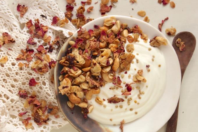 rose-cashew-granola-bowl