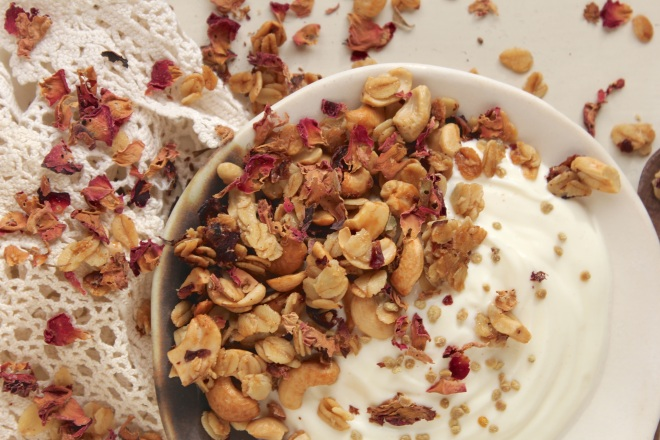 rose-cashew-granola-pollen