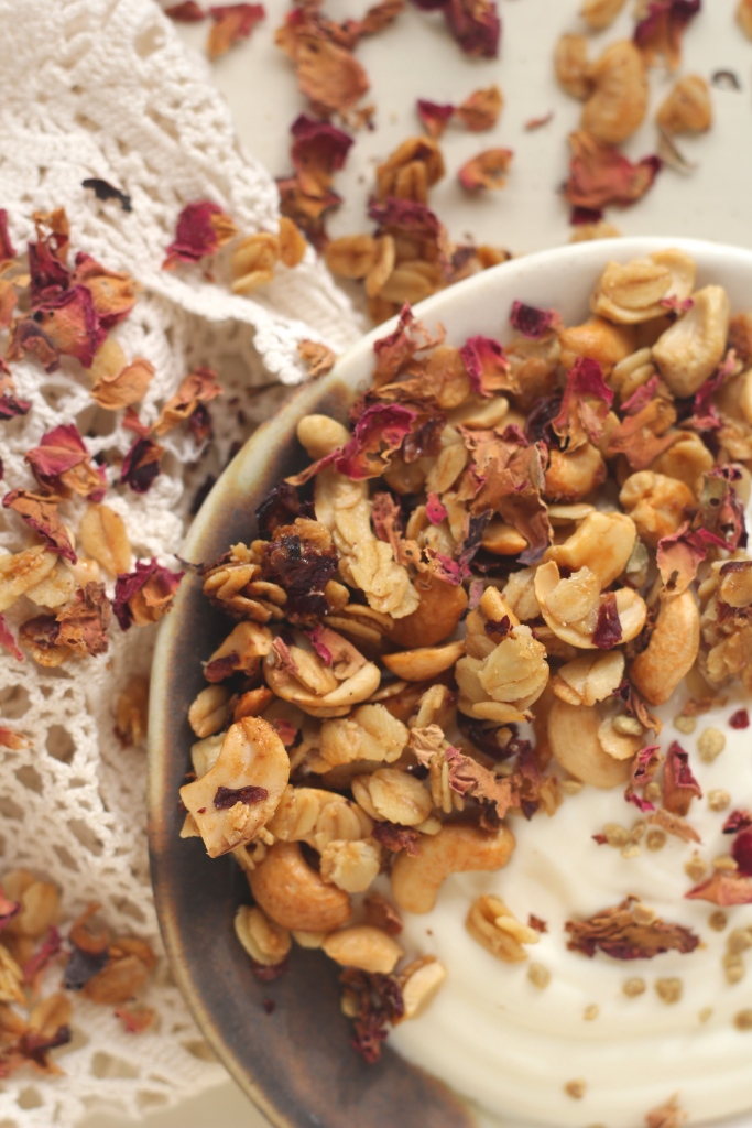 rose-cashew-granola-vertical-closeup