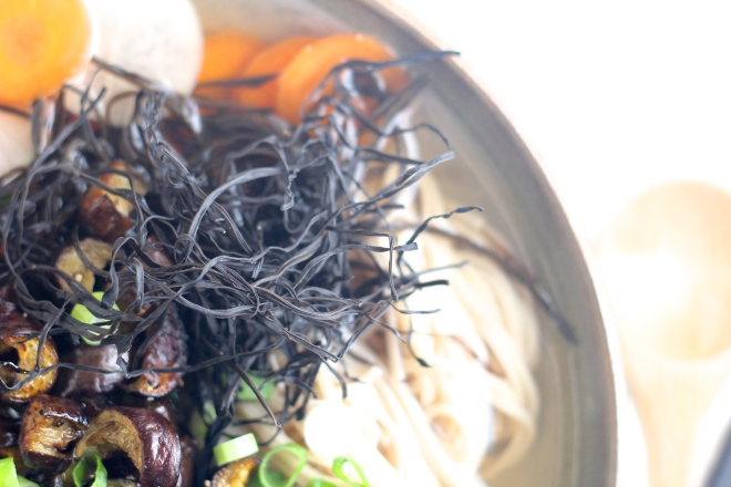 green-tea-soup-wakame