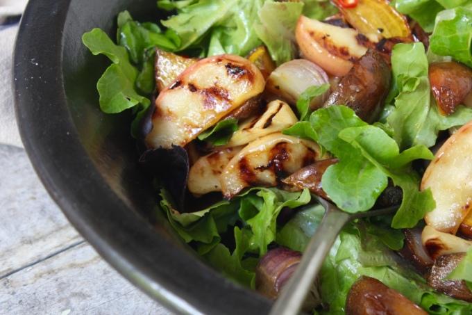 golden-beetroot-apple-salad