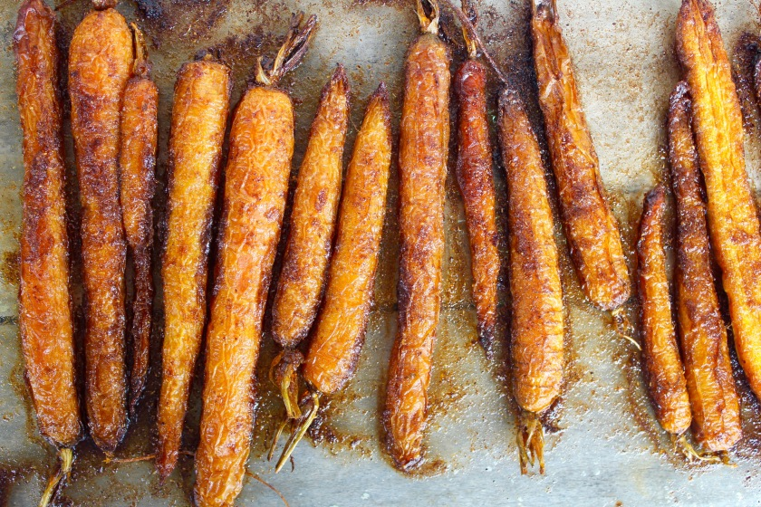 roasted-carrots-crispy-lentils-spicy-yoghurt-carrots-vertical
