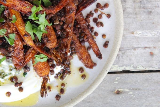 roasted-carrots-crispy-lentils-spicy-yoghurt-II