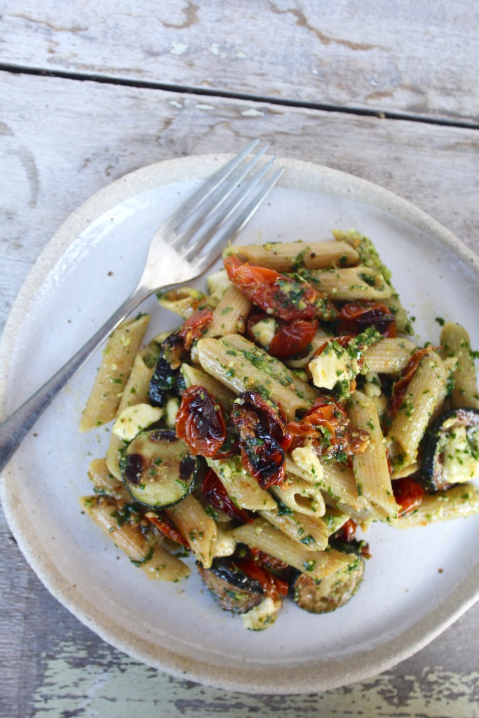 roasted-cherry-tomato-zucchini-kale-pesto-pasta-plate