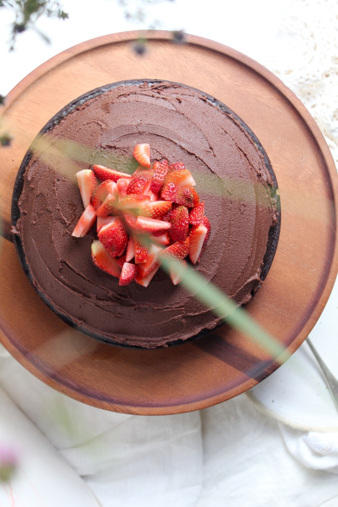 chocolate-cake-vertical