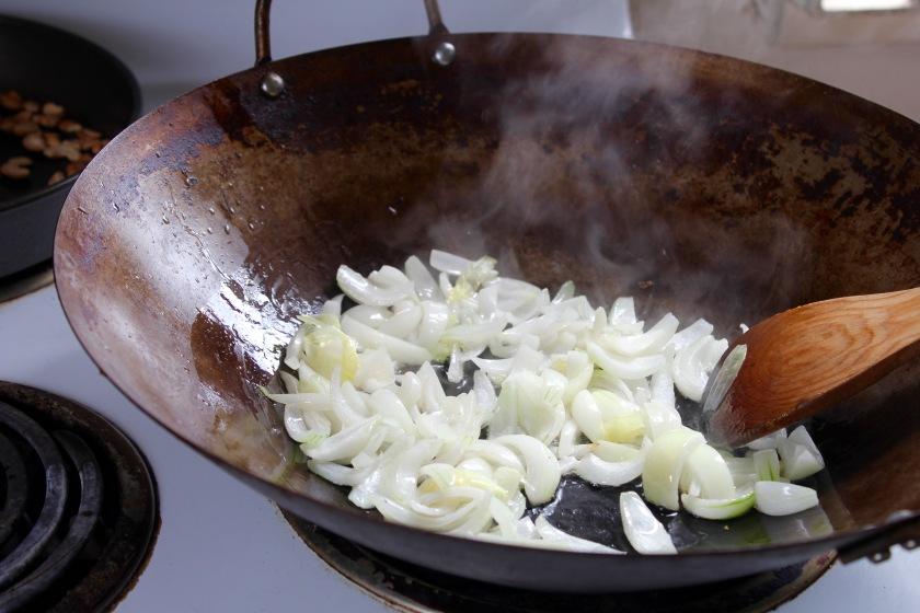 broccoli-cashew-stir-fry-onions