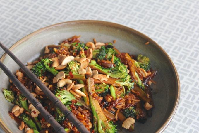 broccoli-cashew-stir-fry-three