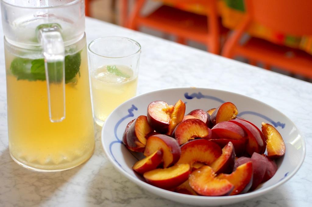 peach-galette-peaches